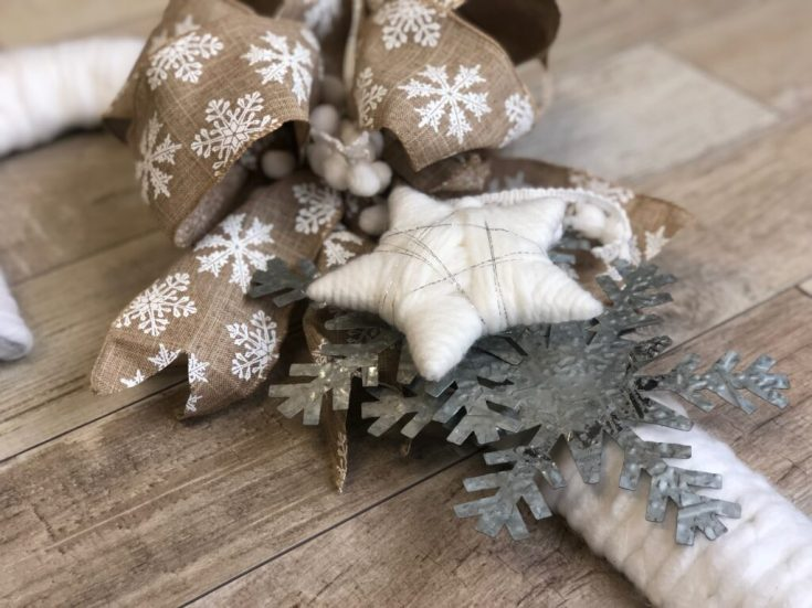 Rustic Candy Cane Christmas Wreath DIY · Just That Perfect Piece