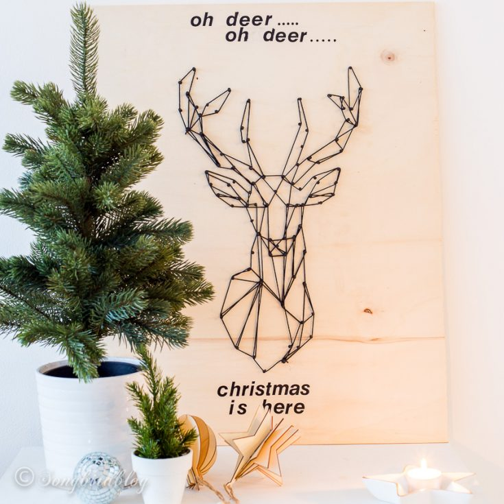 How to make a string art Christmas deer head