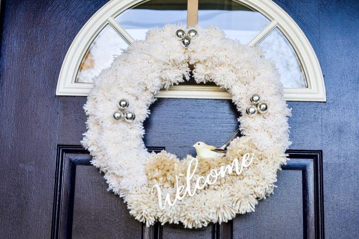 DIY Yarn Christmas Wreath
