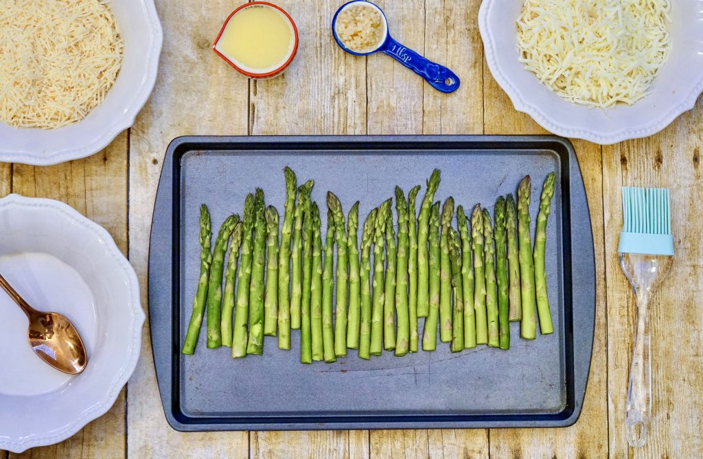 asparagus on pan
