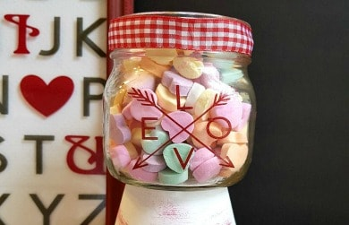Simple Mason Jar Valentine Candy Dish – A Quick and Easy Craft