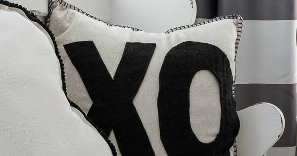 Easy DIY Valentine's XO Pillow with Felt