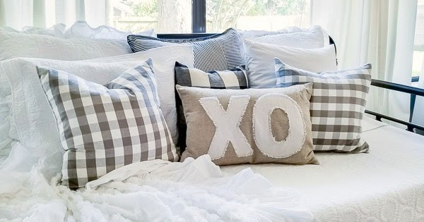 How to Make an XO Valentine's Pillow from Drop Cloth