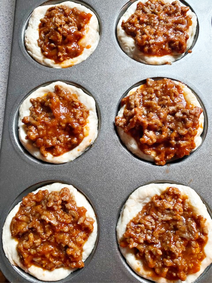 sloppy joes in muffin tin