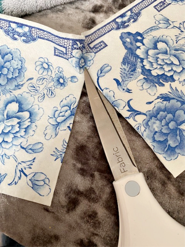 cut napkins for decoupage