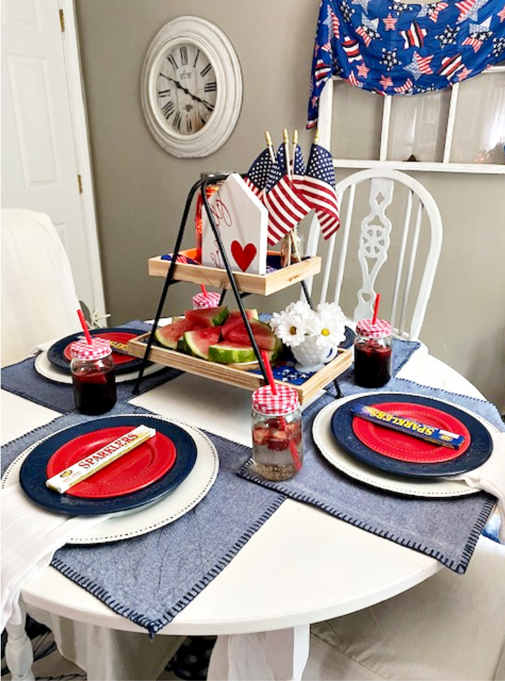 decocrated tiered tray with fourth of july
