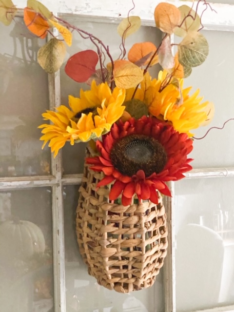 decocrated fall basket