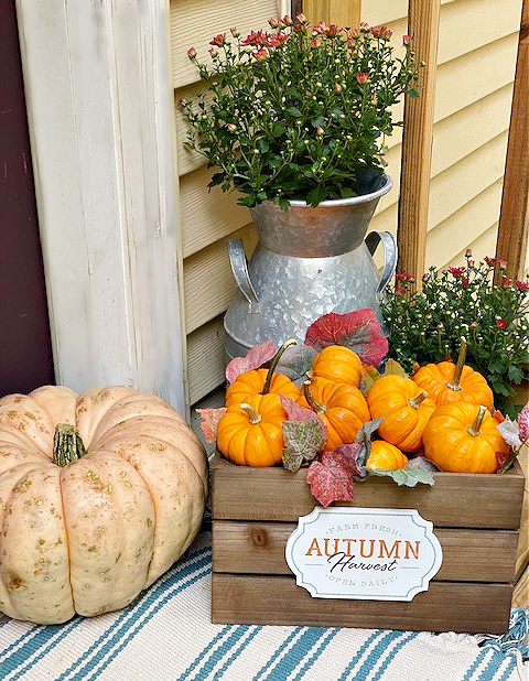 fall front porch with decocrated