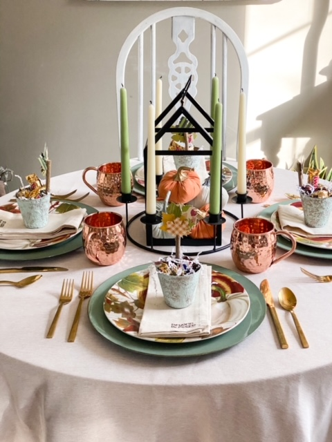 thanksgiving tablescape with favors