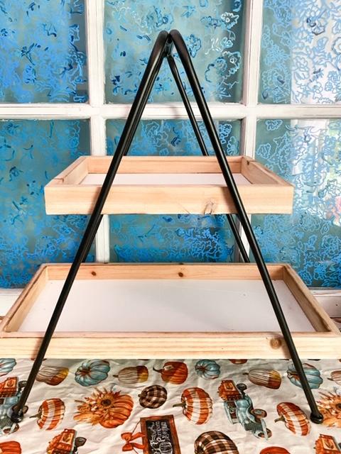 empty tiered tray