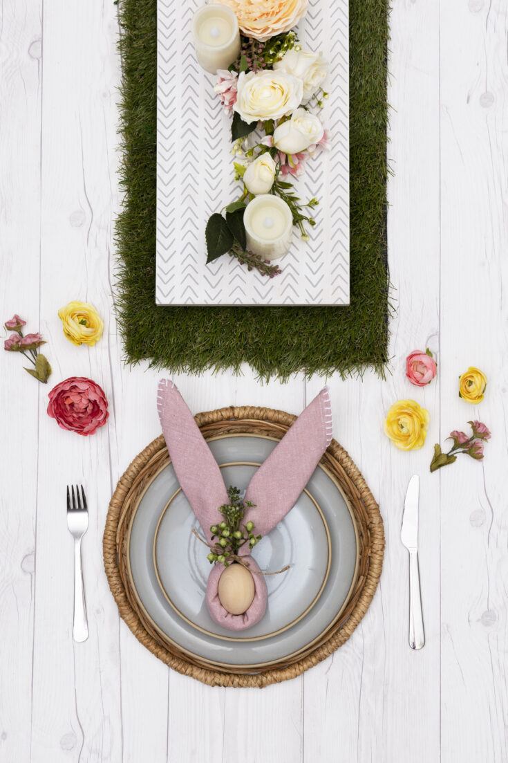 decocrated spring table runner