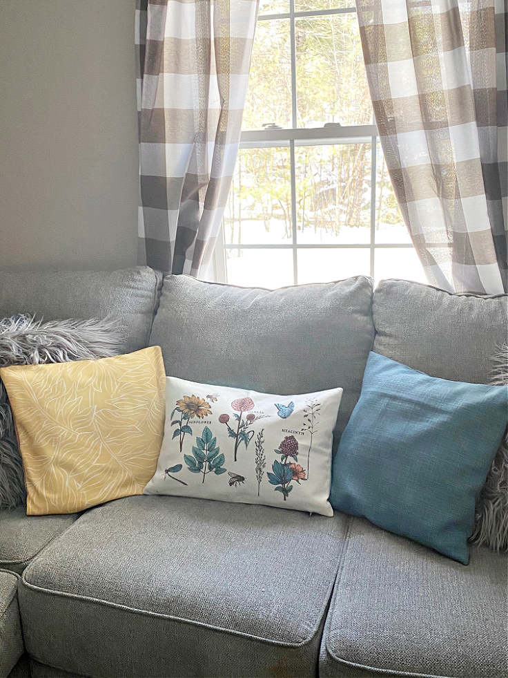 spring decocrated pillows