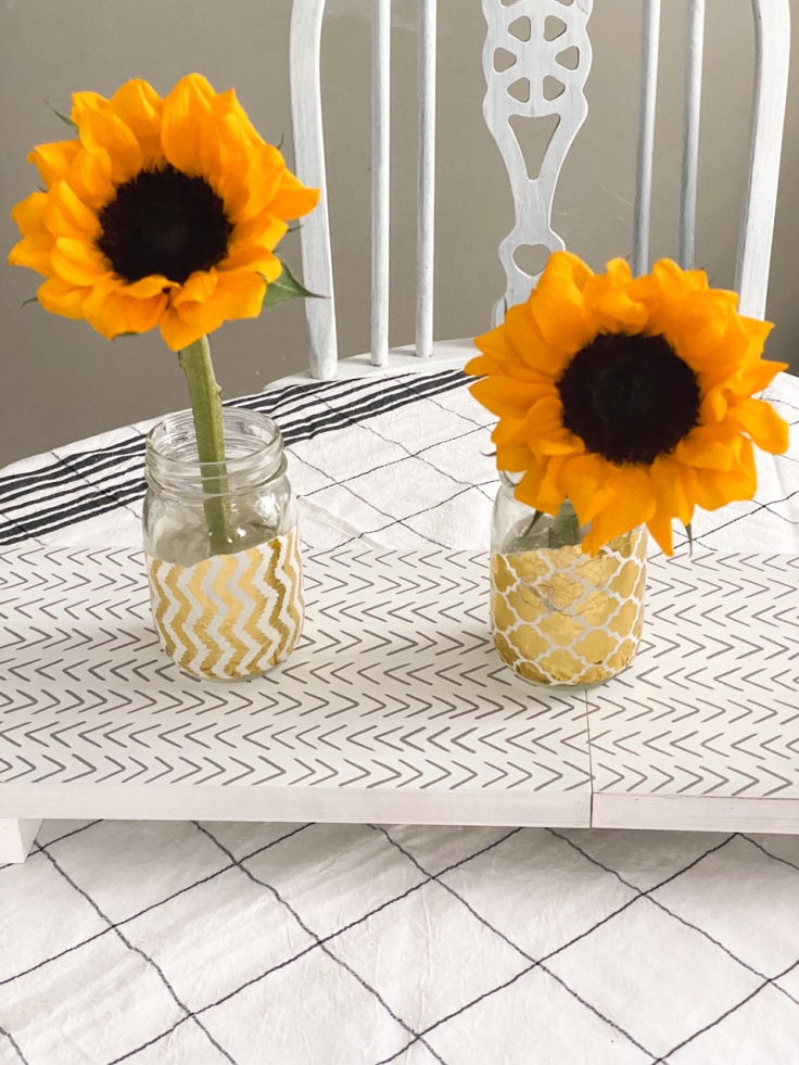 sunflowers on decocrated trivet
