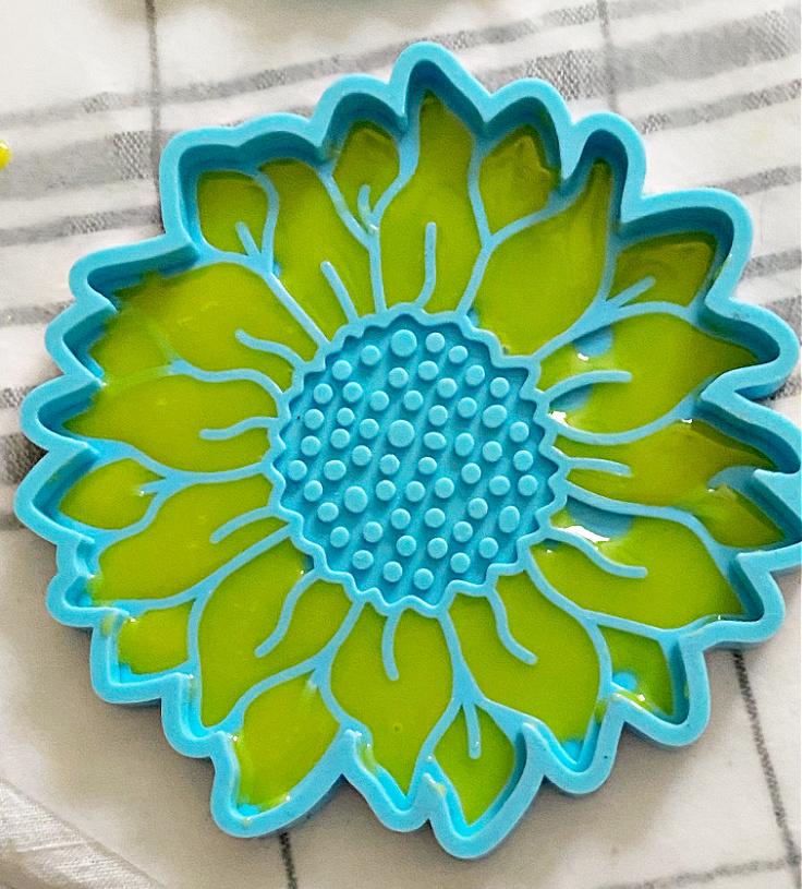 resin in sunflower mold