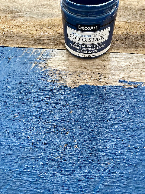 pallet wood painted with blue color stain